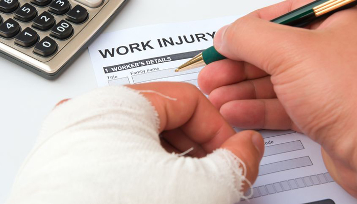 When To Hire A Workers' Compensation Attorney